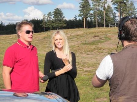 Voicen Juha Valvio oli mukana myös ajokoulutuksessa ja tietenkin mukanaan myös Heräämön tv-kamerat. Joku aamu siis Voicelta matskua päivän hauskoista hetkistä.