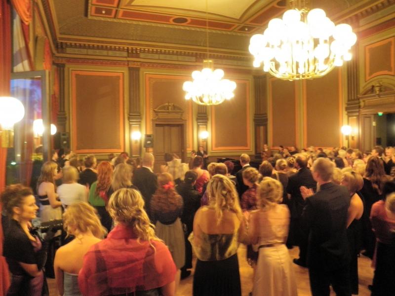 Upea Hämeenlinnan OKL:n 90-vuotisjuhla keräsi Raatihuoneen ääriään myöten täyteen nykyisiä ja entisiä opiskelijoita ja opettajia. Kiitos, että sain olla mukana.