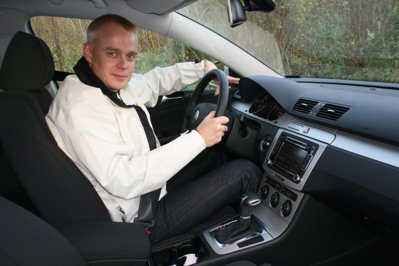 Koeajoin tänä viikonloppuna uuden maakaasulla toimivan perheautokokoluokan VW Variant 1.4 TSI EcoFuel DSG:n. Kiitokset mahdollisuudesta jälleen kerran Kare Aspille. Ja kiitokset myös kuvista ja videosta.