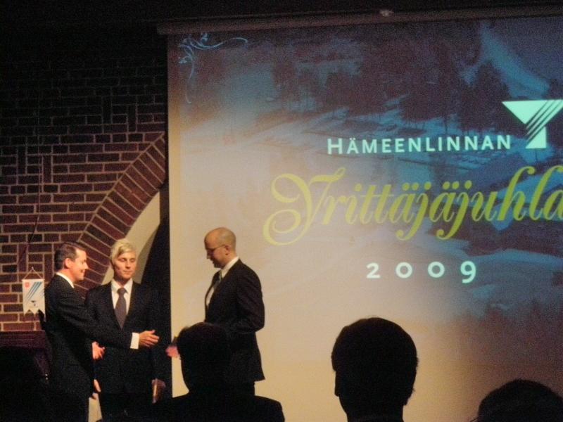 Nuorina yrittäjinä palkittiin Turbogear Oy:n Aki Helander ja Jari Roive-Viteli.