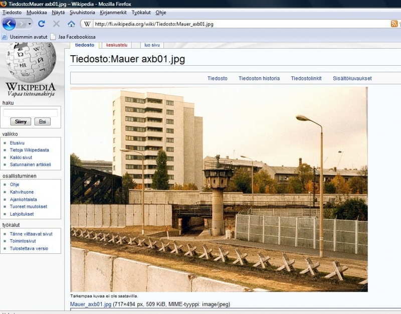 Wikipedissa paljon tietoa Berliinin muurista ja myös kuvia. Tässä linkki Wikipedian sivuille:Berliinin-muuri Wikipediassa