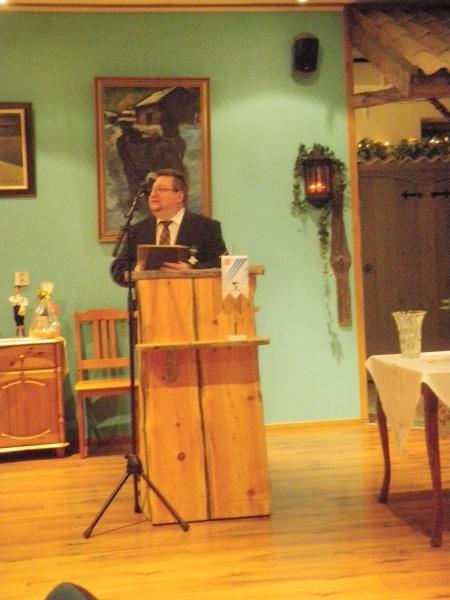Palkittujen puolesta kiitospuheen piti paikallinen M-Kauppias Markkuy Kontturi, joka kannusti loppilaisia käyttämään loppilaisia palveluita ja yrityksiä. Juuri niin.