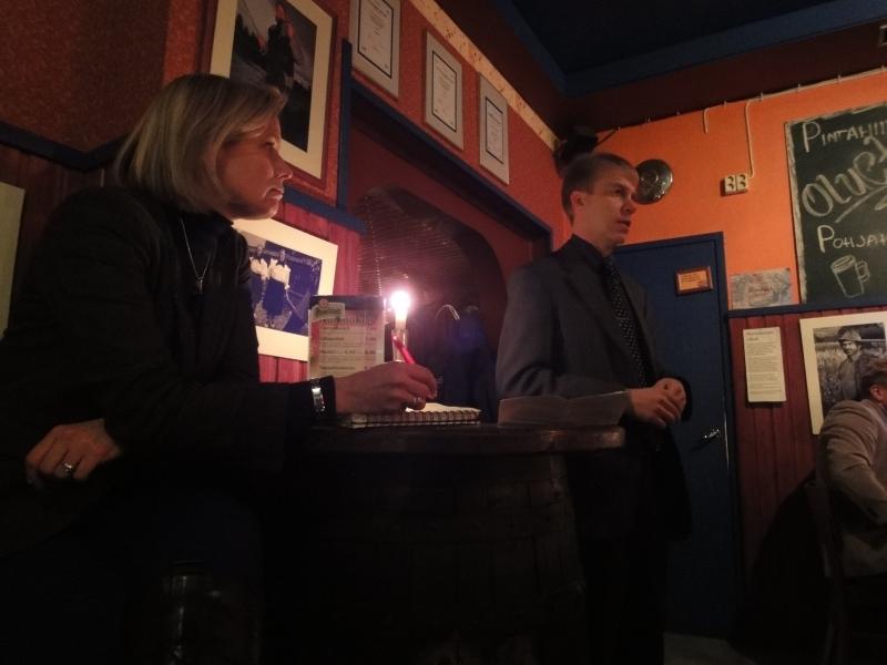 Hämeenlinnan kokoomuslaiset järjestävät kuukausittain Club Ilomieliä Olutravintola Birgerissä ja tänään aiheena toisenasteen koulutus ja sen tulevaisuus Hämeenlinnassa.