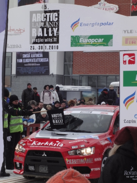 Tunnelmia tänään alkaneesta 45. Arctic Lapland Rallystä. Hyistä pakkasta ja kovaa menoa ja ihastuttavaa tunnelmaa.