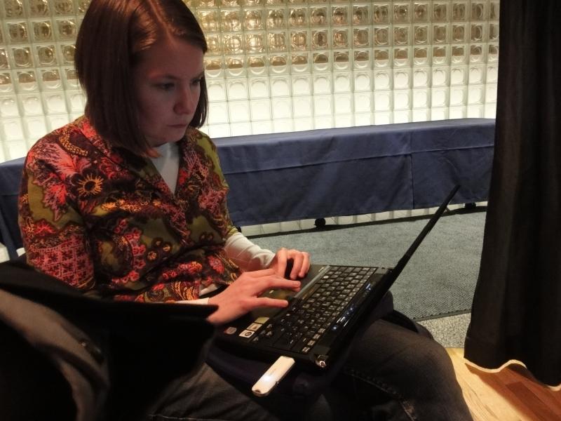 OSSI-verkoston toinen kärki eli Elina Laavi vastasi illan seminaarista eli kiitokset hänelle hyvästä työstä.