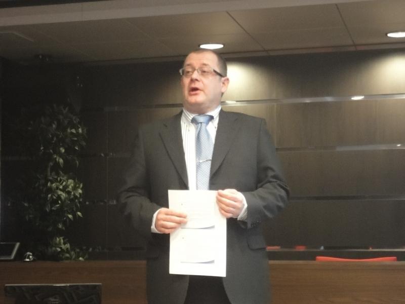 OPM:n yksikönjohtaja Jorma Kauppinen valotti tulevaisuuden lukion haasteita ja puhui myös toiveista.