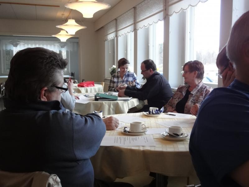 Tänään olin puhumassa Päijät-Hämeessä Padasjoen Kokoomuksen kevätkokouksessa. Majatalo Onnenmyyrässä oli paikalla mukavasti väkeä ja hyvää keskustelua. Oli jälleen mukava saada kutsu ja päästä mukaan.