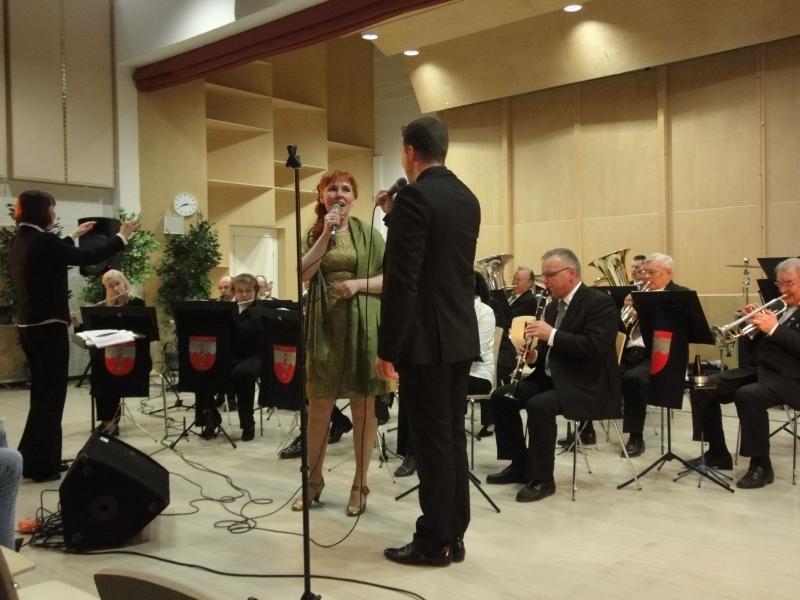 Janne Tulkki ja Leila Tschokkinen esittivät illan kauneimman dueton. Erittäin koskettava ja kaunis.