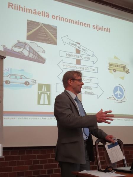 Riihimäen kaupunginhallituksen puheenjohtaja Kai Heimonen.
