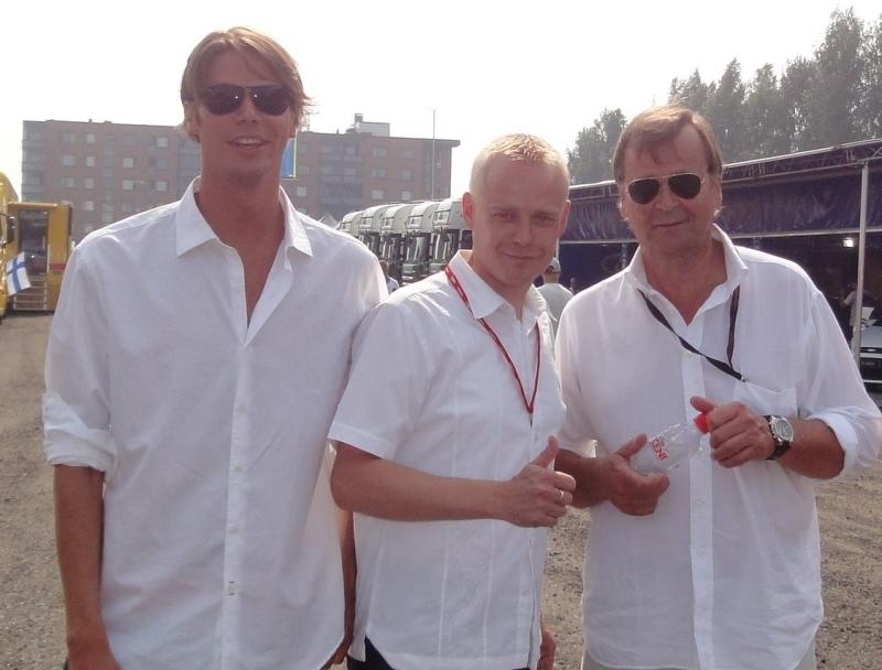 Isä ja poika ja Heinonen. Eli Markku ja Anton Alen.