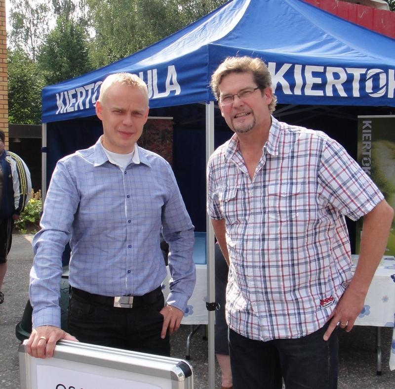 Aution Riston kanssa olen tehnyt yhteistyötä aktiivisesti ja niin teemme jatkossakin. Itseasiassa nyt elokuulla järjestämme yhdessä Tammerkosken sillalla -henkisen lauluillan yhdessä ystävämme Mikko Alatalon kanssa. Tervetuloa.