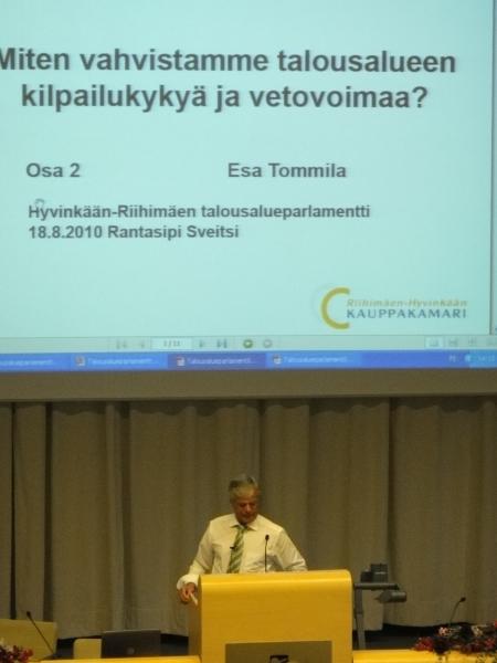 Hyvinkää-Riihimäen Talousalueparlamentti järjestettiin tänään Hyvinkään Sveitsissä. Esa Tommola esitteli Kauppakamarin johdolla tehtävän talousaluestrategian painotuksia.