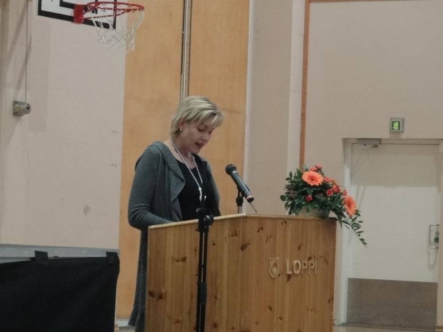 Juhlapuheen piti opetusministeri Henna Virkkunen, joka kiitti puheessaan Lopen kuntaa sivistyksen ja koulutuksen eteen tehdyistä panostuksista.