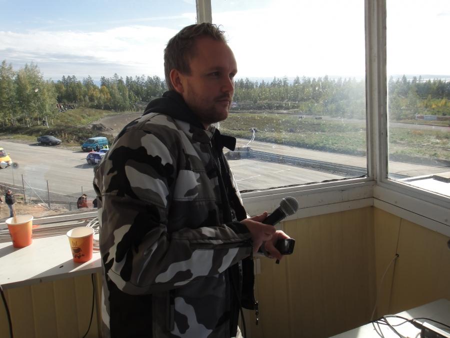 Ystäväni Jarno Hatakka hoiti siis kanssani tänään SM-kauden päätöskilpailun selostukset.