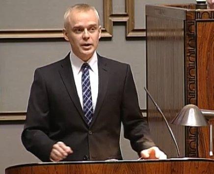 Tänään pidin Kokoomuksen eduskuntaryhmän ryhmäpuheenvuoron peruskoulun tulevaisuudesta. Alla linkki puheeseen: http://areena.yle.fi/video/1356025