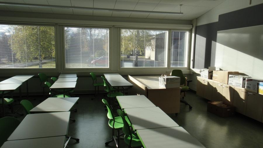 Kuvia Koulukeskuksen uuden B-koulun vanhasta osata. Eli osa vanhasta B-koulusta säästettiin ja remontoitiin. Tässä kuvia tästä
