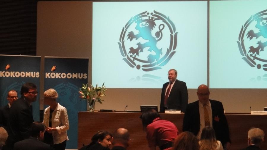 Tunnelmia aamun Kokoomuksen puoluehallituksesta.... Vieraanamme Viron veljespuolueen johtoa.