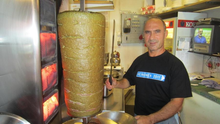 Riihimäen Bodrum Kebab tänään 20 vuotta! Maan parasta on helppo ja mukava onnitella! Tulen lounaalle tänäänkin.