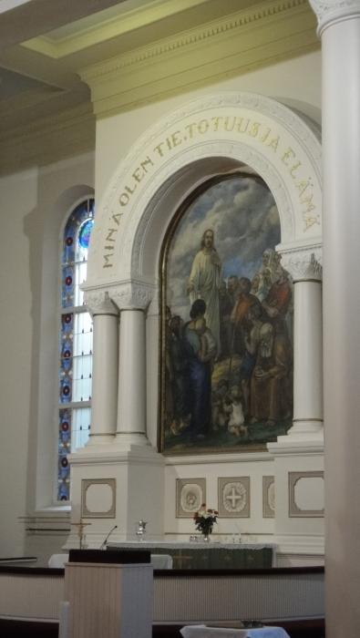 Tänään kirkkopäivä isänpäivän ja seurakuntavaalien tunnelmissa... Kaunis on meidän kotikirkkomme.