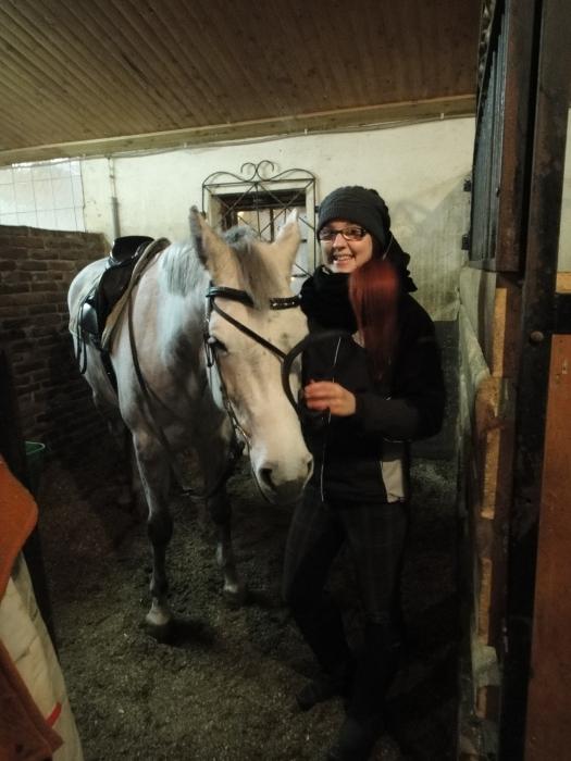 Ystäväni Niina Nippe Laine valmiina Klaaran kanssa samalla tunnille. Ja loistava veto