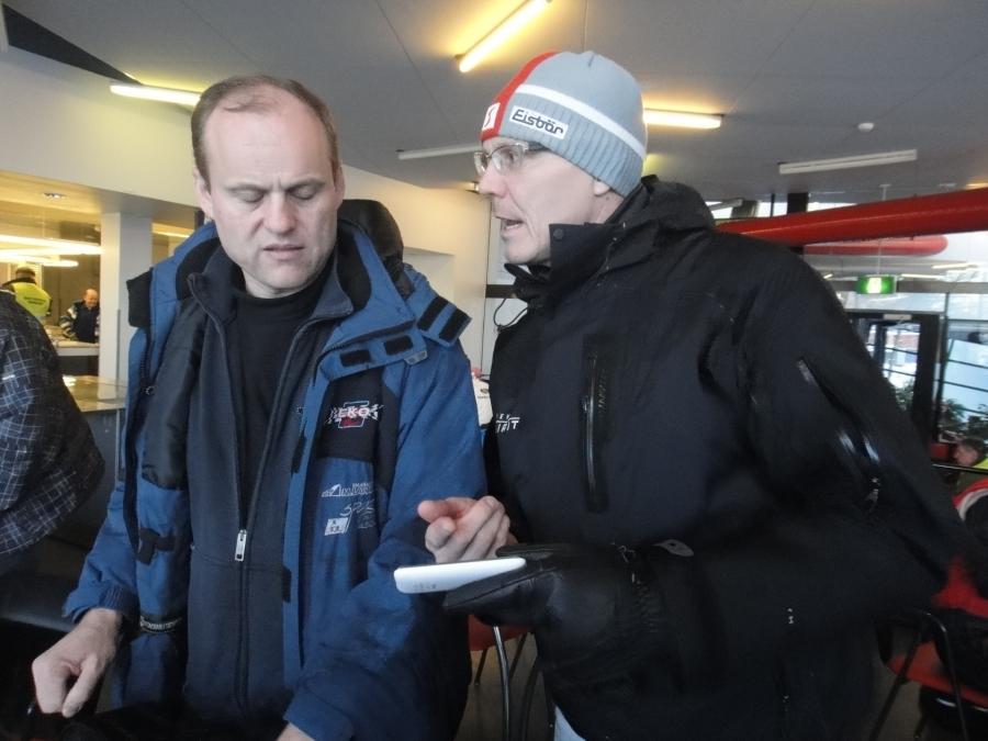 Vanajanlinnan isäntä Pekka Vihma ja Ari Laivola ennen kisan alkua. Pekka johtaa myös eduskuntavaalikampanjani Hämeenlinnan tukiryhmää.