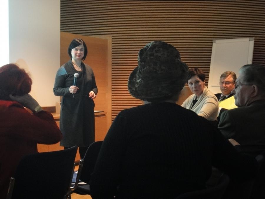 Kuvia Kokoomuksen Ympäristöryhmämme raportin julkistamistilaisuudesta. Ryhmämme johdossa oli siis kansanedustaja Sanna Perkiö ja meillä ryhmän jäsenillä tänään myös kommenttipuheenvuorot julkistusinfossa.