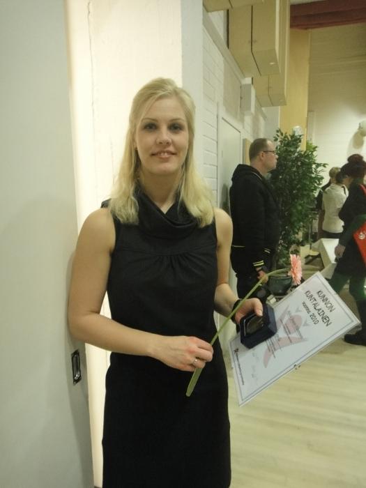 Ystäväni Riitta Joutsi valittiin vuoden 2010 Lopen kunnan kunnon kuntalaiseksi. Aivan nappivalinta. Todellinen tekijä ja puuhaaja ja minun tapaan alla olevan Sisko Keskitalon