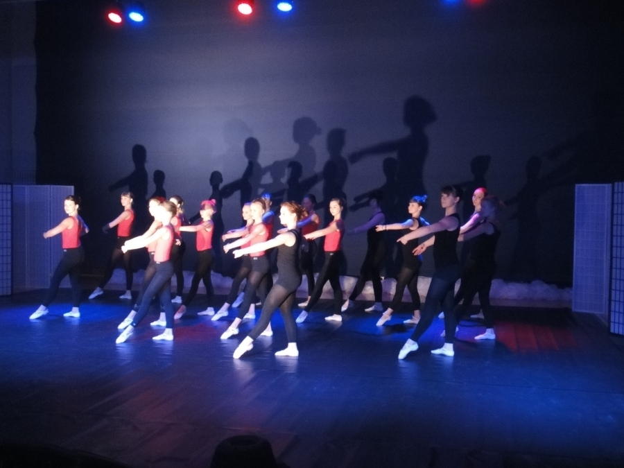 Ja sitten ilta Riihimäellä Dance Artin vieraana Tanssin Illassa Eteläisellä koululla. Aivan huikean upea tanssishow.