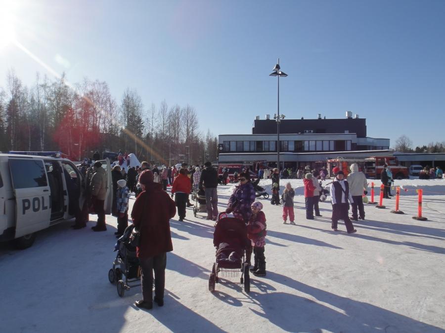 Sitten vielä hieno Leijonien Lasten Talvitapahtuma Riihimäellä. Useampi tuhat ihmistä nauttia laskiaisesta ja kymmenistä eri toimintapisteistä. Yksi sellainen joka vuotinen odotettu tapahtuma aina täällä meidän alueella.