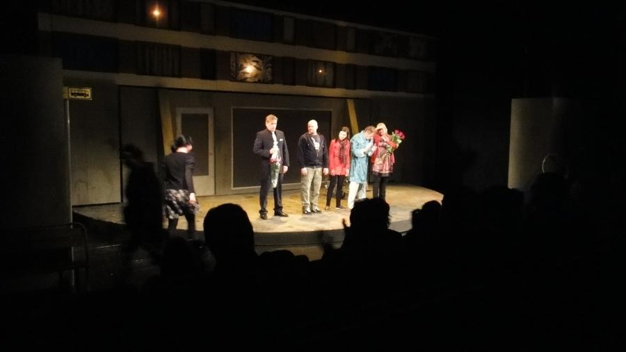 Aivan mahtava Reko Lundanin näytelmä jälleen ensi-illassa Riihimäen Teatterissa. Suosittelen! Tarpeettomia ihmisiä.