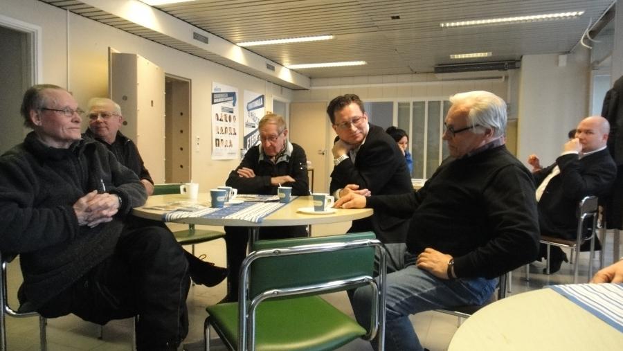 Ja sitten kiva ilta Padasjoella yhdessä Juha Rostedtin ja Ilkka Viljasen kanssa. Hyvää keskustelua yrittäjyydestä, työstä ja nuorista.