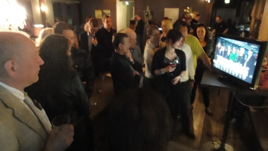 Tässä hieman tunnelmia eilisillan vaalivalvojaisista Riihimäen Ravintola Apollosta.
