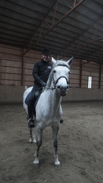 Parasta. Ai että mä nautin. Kampanjan aikana ei millään pystynyt hevostelemaan, mutta heti tänään nautittiin. Ja upean Klaara-neidin kanssa aivan fantastinen tunti.