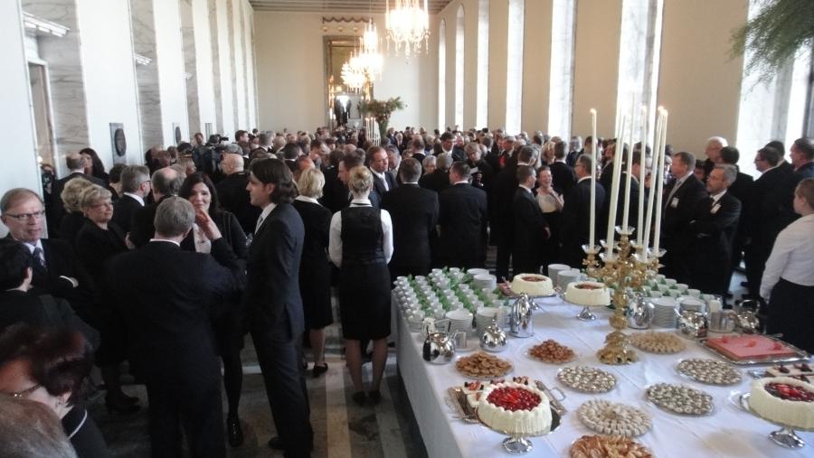 Valtiopäivien avajaisten juhlallisuuksia eduskunnassa...