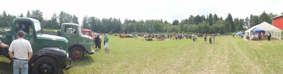 Ja tässä sitten kuvia tältä päivältä Traktoritapahtumasta Mustajoelta. Kiitokset hienosta ja todellakin ainutlaatuisesta tapahtumasta Lehtosen Simolle ja talkooväelle.