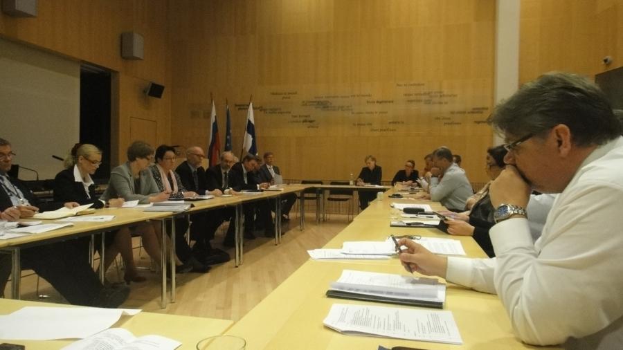 Tunnelmia tämän päivän Ulkoasiainvaliokunnan Pietarin työmatkalta...