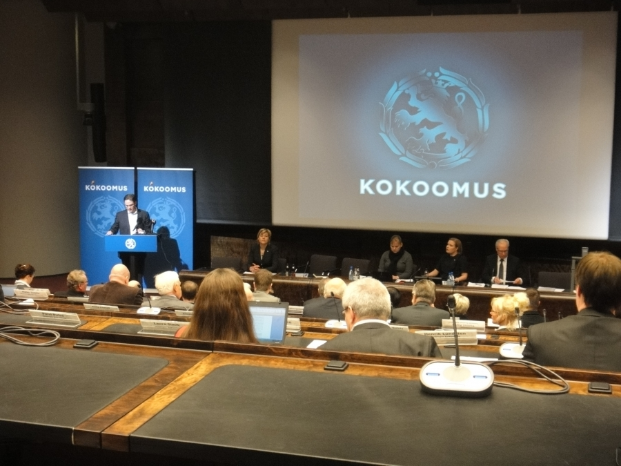 Kokoomuksen puoluevaltuuston kokouksessa käsiteltiin tänään 19.11.2011 eduskunnassa mm. tulevaa kuntauudistusta.
