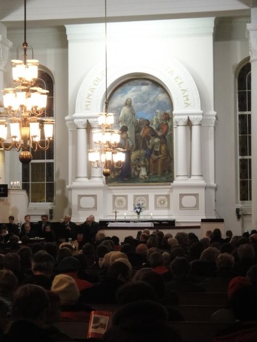Lopen Kauneimmat Joululaulut 2011. Mukana kauniissa kirkossamme myös Lopen Puhallinorkesteri. Upea tilaisuus ja toikin sydämeen joulun.