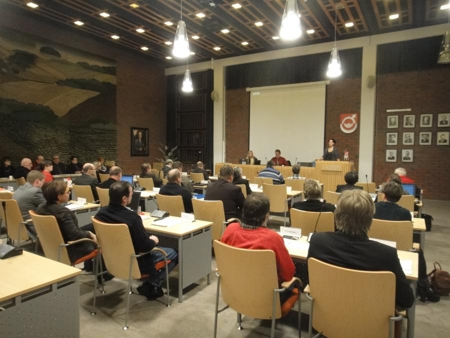 Tunnelmia Lopen kunnanvaltuustosta tältä illalta.