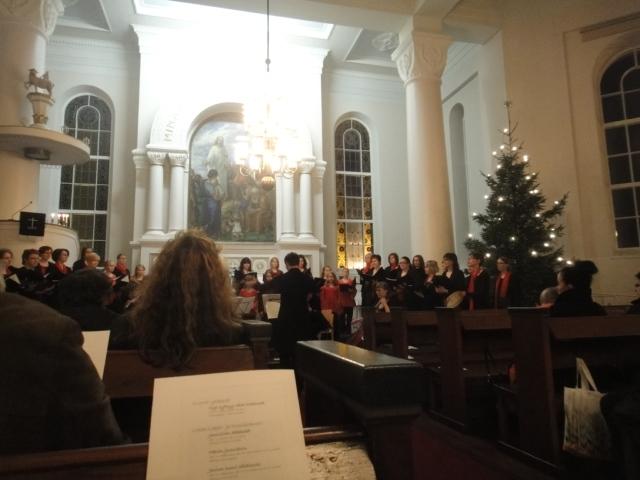 Timotein ja Lopen Lapsi- ja Nuorisokuoron joulukonsertti Lopen kirkossa 18.12.2011. Kaunis tulmainen konsertti, missä itse sain pienenä poikana monta kertaa olla mukana myös laulamassa. Kauniita muistoja ja jälleen lämmitti mieltä.
