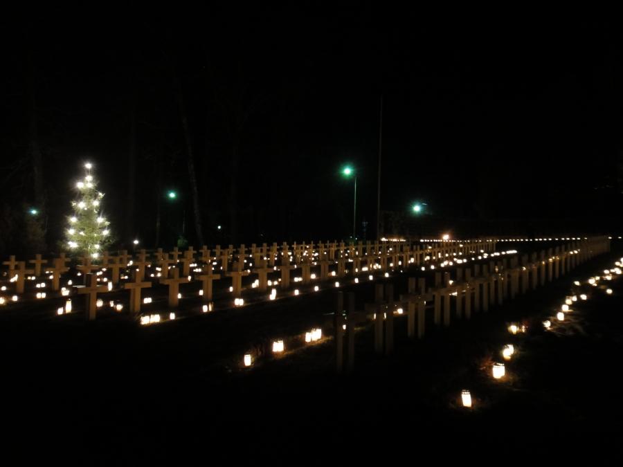 Jouluaattona Lopen hautausmaalla 24.12.2011