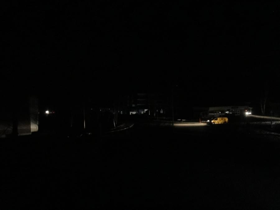 http://www.timoheinonen.fi: 2011 Tapani myrskyn pimeys jatkuu Lopella. Koko Loppi ilman sähköä 27.12. klo 21.00. Tältä näyttää Lopen kirkonkylällä. Kuva kirkonmäeltä.