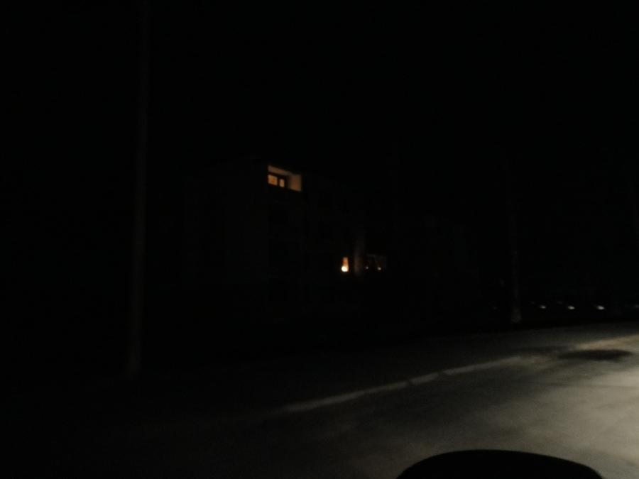 Ja pimeitä on talotkin.
