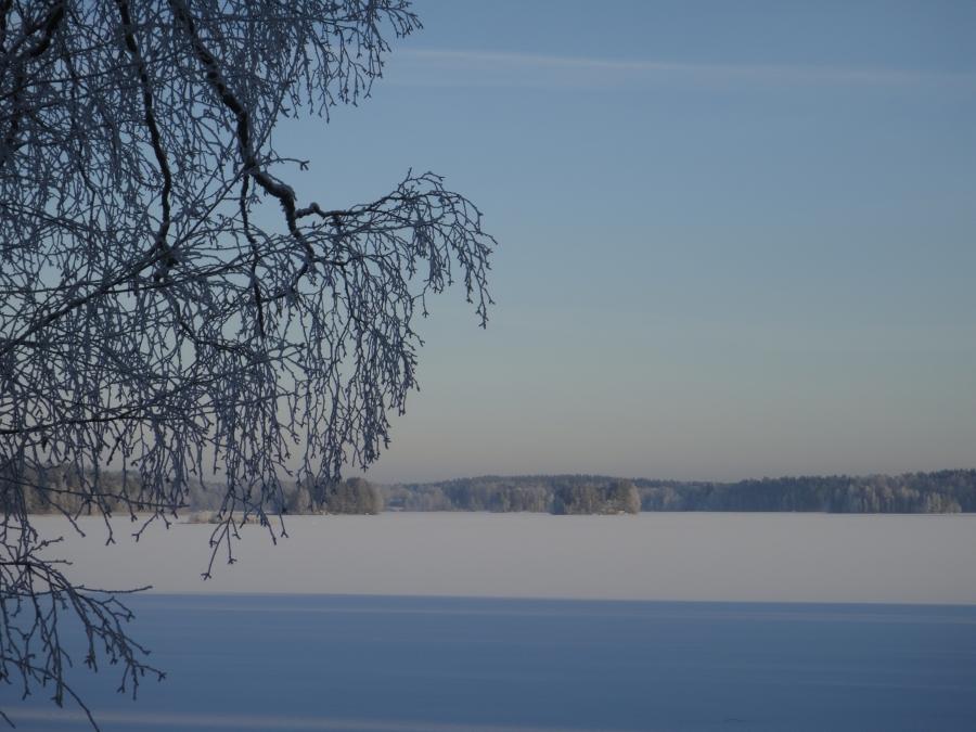 Hieman ehdin tänään nauttia myös talvesta. Kaunista oli. Kertakaikkiaan.