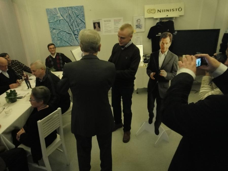 Ja illan aikana sain kunnian ojentaa Suomalainen teko -kiitoksen reumahoidon uranuurtajalle professori Heikki Isomäelle.