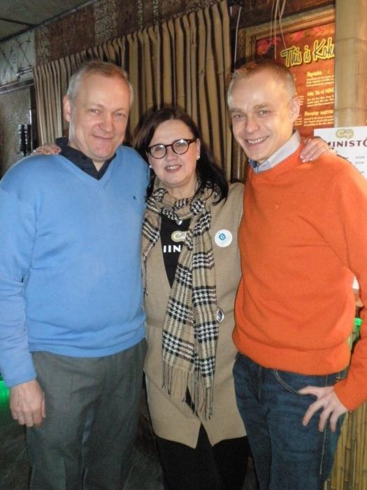 Kalle Jokisen ja Merja Vahterin kanssa hymyä riittää vielä kuukauden kampanjoinnin jälkeenkin.