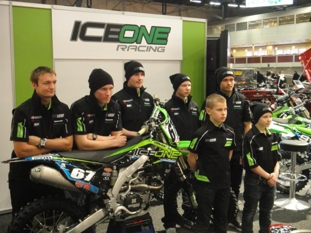 Oli kunnia-asia saada kutsu juontamaan Kimi Räikkösen ja Kari Tiaisen IceOne Racingin lanseeraustilaisuus MP-messuille. Upea tiimi koossa ja isommat miehet MM-sarjaan ja pienimmät SM-sarjaan ja EM-sarjaankin. Hanaa.