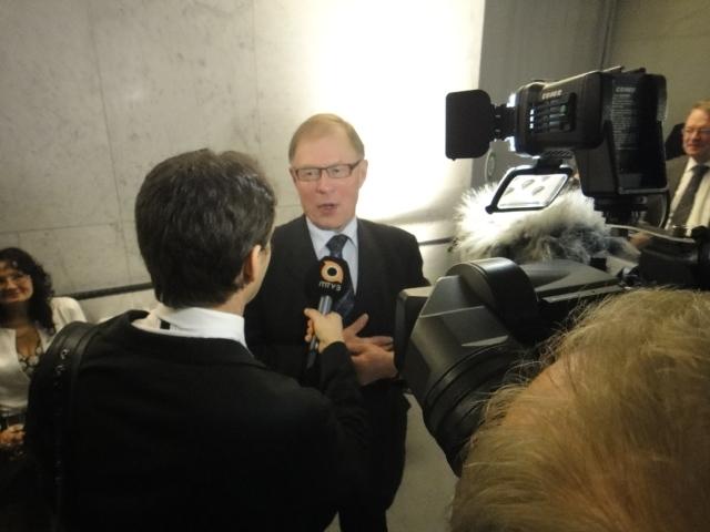 Eduskunnan puhemies Pekka Ravi MTV3:n haastattelussa.