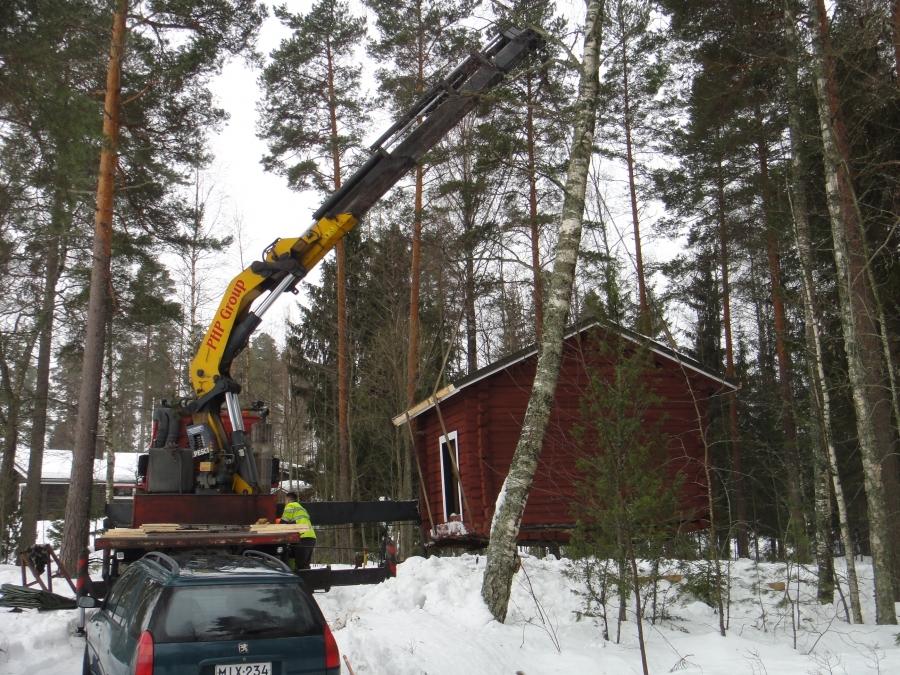 Vanhan 1784 tehdyn Heikkilän aitan siirto 10.3.2012