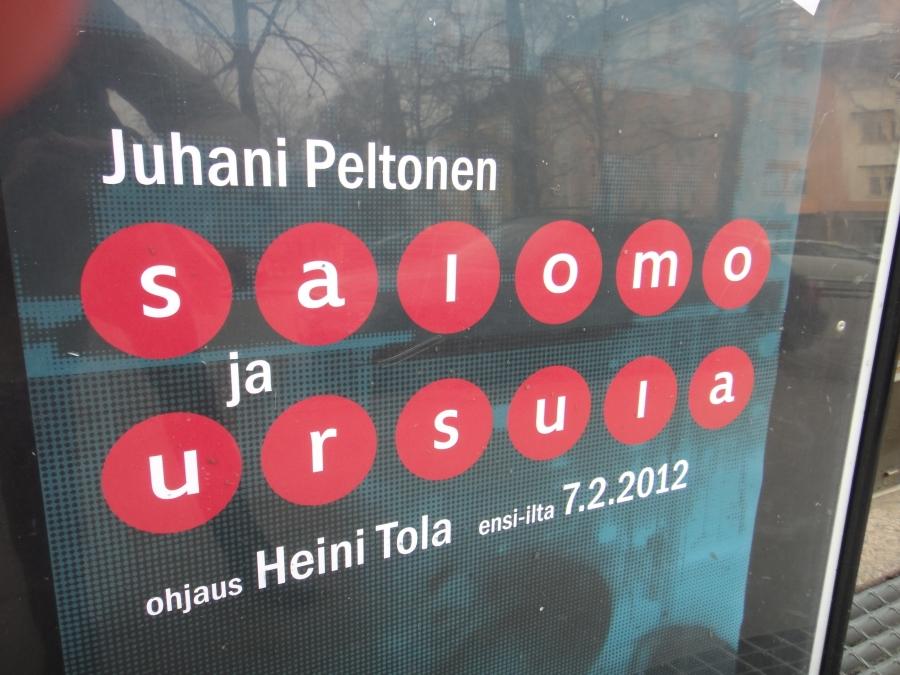 Ja illalla vielä Tettari Avoimet Ovet esitti Heini Tolan ohjauksen Juhani Peltosen Salomo ja Ursulasta. Upea ilta upean tekstin, näytelmän ja ohjauksen parissa. Vielä pari esitystä jäljellä ja todellakin suosittelen, että menkään. Menkää.